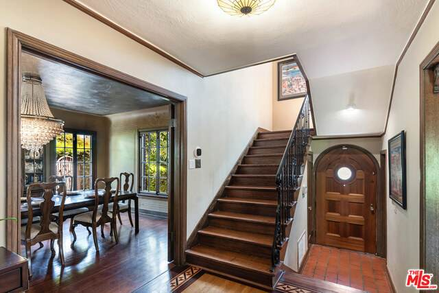 959 S Longwood Ave, Los Angeles, CA 90019 (#21-763486) :: Berkshire Hathaway HomeServices California Properties