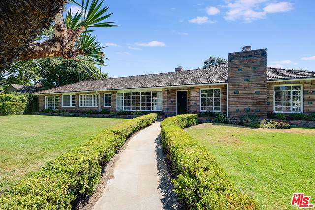 4700 Sancola Ave, Toluca Lake, CA 91602 (#21-763736) :: Berkshire Hathaway HomeServices California Properties