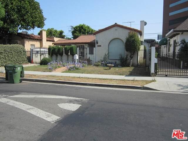 6726 Colgate Ave, Los Angeles, CA 90048 (#21-763764) :: Montemayor & Associates
