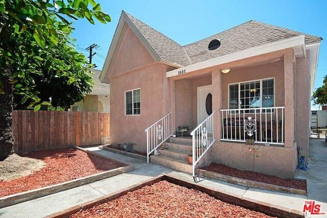 5739 Bandera St, Los Angeles, CA 90058 (MLS #21-763916) :: The John Jay Group - Bennion Deville Homes