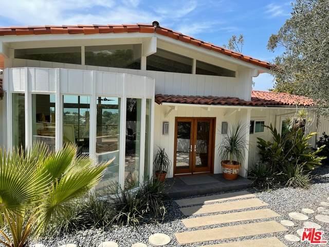 571 Paseo Miramar, Pacific Palisades, CA 90272 (MLS #21-763988) :: The Jelmberg Team