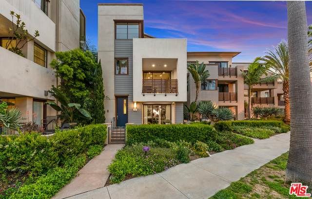 12837 W North Seaglass Cir, Los Angeles, CA 90094 (#21-764250) :: Berkshire Hathaway HomeServices California Properties