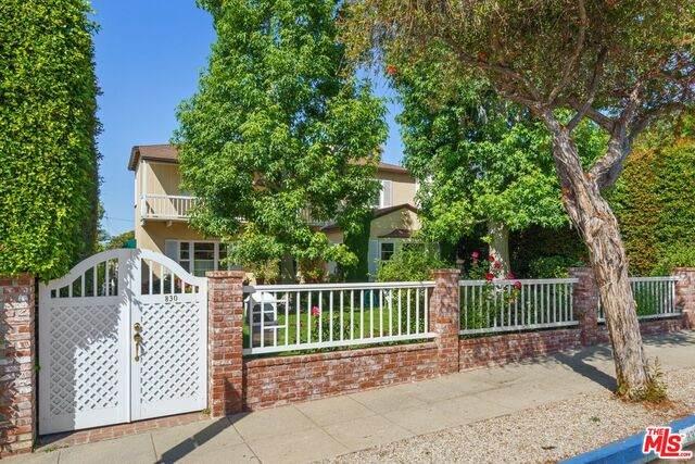 830 Stanford St, Santa Monica, CA 90403 (#21-764454) :: Berkshire Hathaway HomeServices California Properties