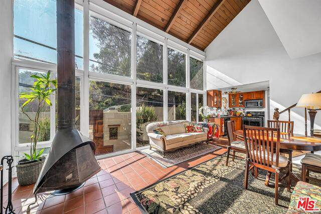 8122 Willow Glen Rd, Los Angeles, CA 90046 (#21-764552) :: Lydia Gable Realty Group