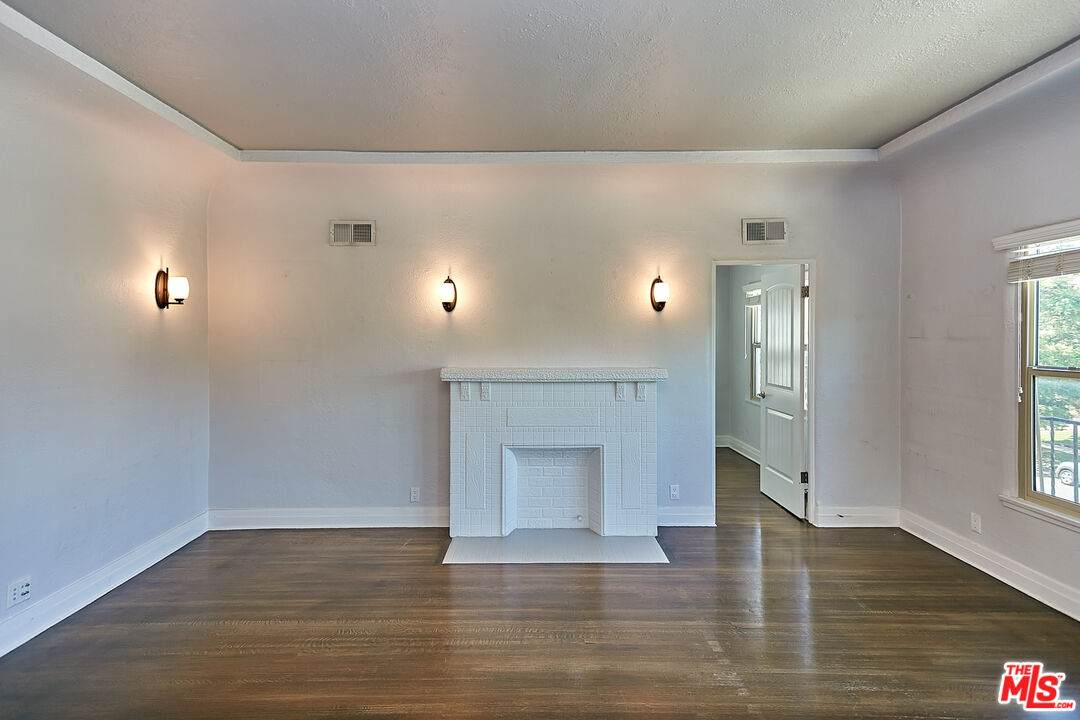 1108 Meadowbrook Ave - Photo 1