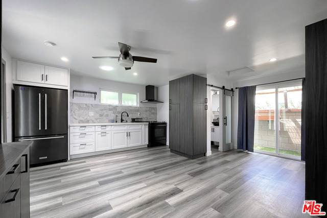 3753 Greenwood Ave, Los Angeles, CA 90066 (#21-765190) :: Angelo Fierro Group | Compass