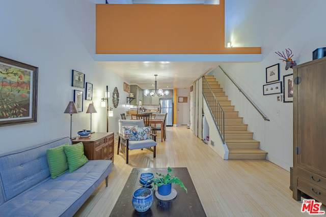 1605 Armacost Ave #109, Los Angeles, CA 90025 (#21-765240) :: TruLine Realty