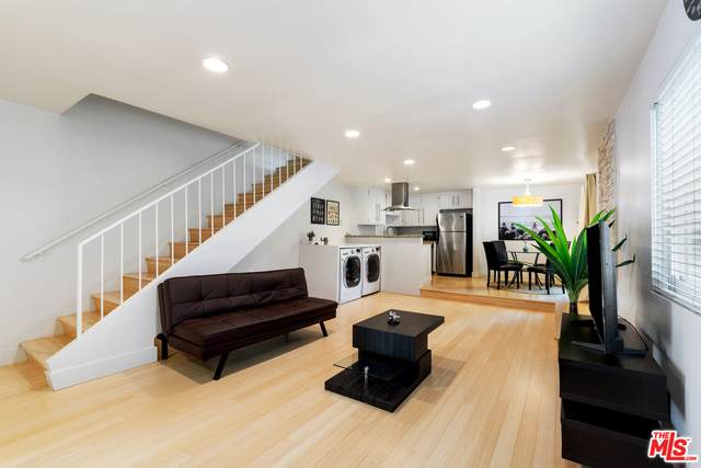 1605 Armacost Ave #113, Los Angeles, CA 90025 (#21-765810) :: TruLine Realty