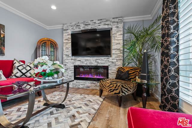 970 Palm Ave #208, West Hollywood, CA 90069 (#21-765876) :: Lydia Gable Realty Group