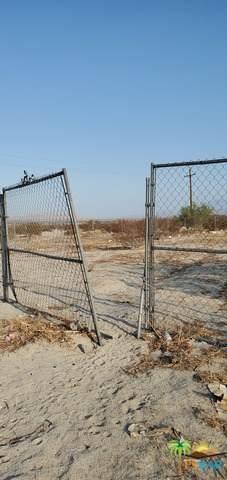3 Desert Sands Rd, Desert Hot Springs, CA 92240 (#21-765882) :: Montemayor & Associates