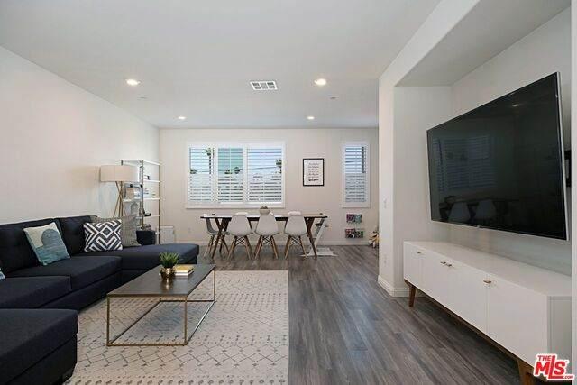 14412 Kiwi Ln #2, Gardena, CA 90247 (#21-766118) :: Berkshire Hathaway HomeServices California Properties