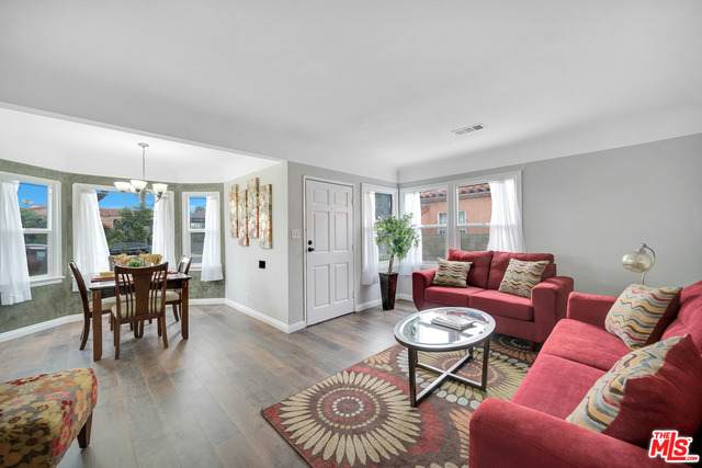 1732 W 106Th St, Los Angeles, CA 90047 (MLS #21-766124) :: Zwemmer Realty Group