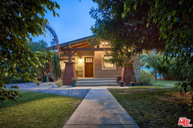 1615 Crescent Pl, Venice, CA 90291 (MLS #21-766382) :: Hacienda Agency Inc