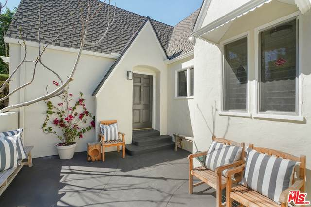 8713 Ashcroft Ave, West Hollywood, CA 90048 (MLS #21-766452) :: Zwemmer Realty Group