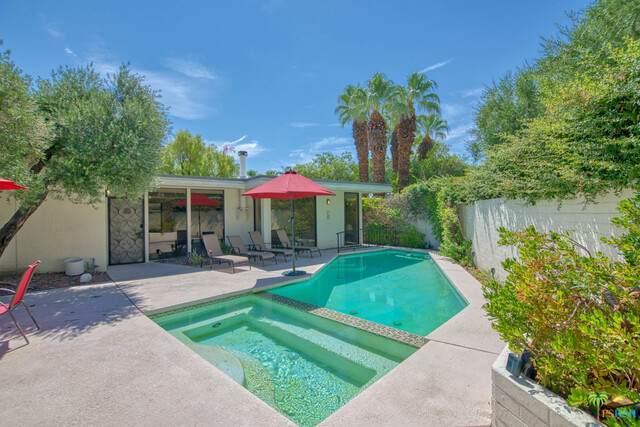 130 W Racquet Club Rd #308, Palm Springs, CA 92262 (MLS #21-766624) :: Hacienda Agency Inc
