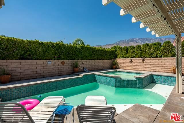 1597 E Racquet Club Rd, Palm Springs, CA 92262 (MLS #21-766746) :: The Sandi Phillips Team