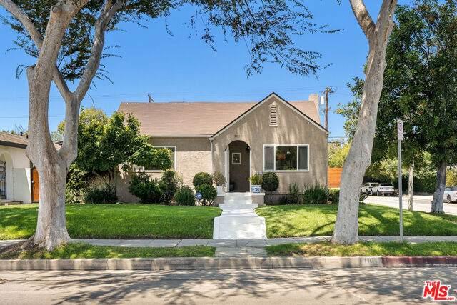 1101 S Plymouth Blvd, Los Angeles, CA 90019 (MLS #21-766876) :: Hacienda Agency Inc