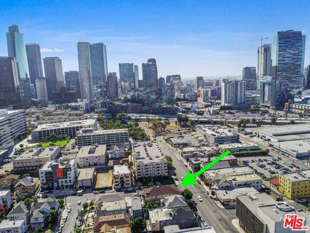 1231 W 8Th St, Los Angeles, CA 90017 (#21-767150) :: TruLine Realty