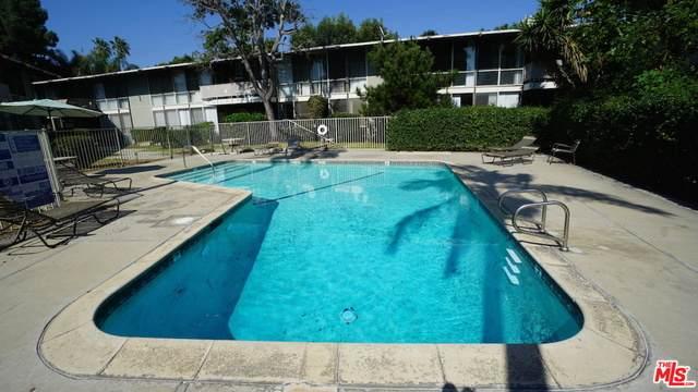 3330 S Sepulveda Blvd #15, Los Angeles, CA 90034 (MLS #21-767608) :: Zwemmer Realty Group