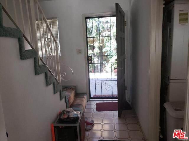 1890 S Cochran Ave #9, Los Angeles, CA 90019 (#21-767628) :: TruLine Realty
