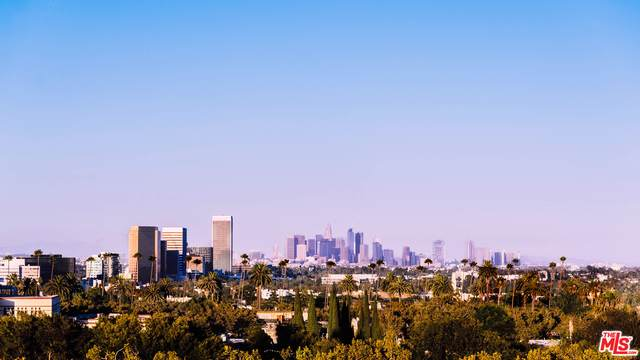 235 S Reeves Dr #301, Beverly Hills, CA 90212 (#21-767718) :: The Grillo Group