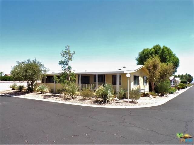15300 Palm Dr #210, Desert Hot Springs, CA 92240 (#21-767958) :: TruLine Realty
