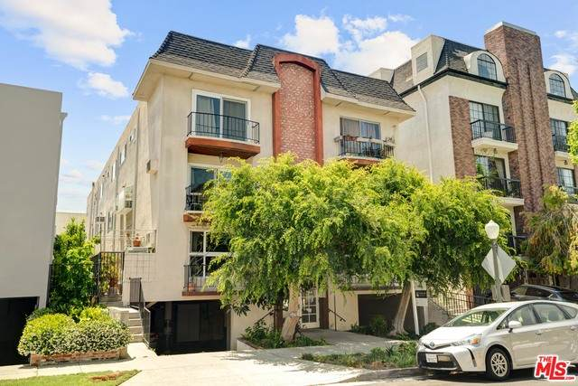 10614 Eastborne Ave #203, Los Angeles, CA 90024 (#21-768312) :: TruLine Realty