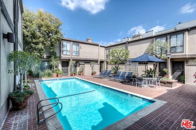 853 Larrabee St #8, West Hollywood, CA 90069 (#21-768566) :: TruLine Realty