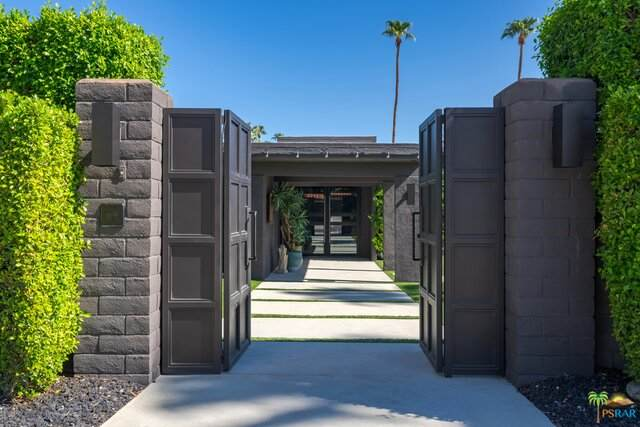 1270 E Sierra Way, Palm Springs, CA 92264 (#21-769306) :: Lydia Gable Realty Group