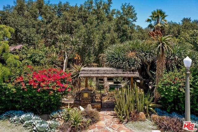 1409 El Mirador Dr, Pasadena, CA 91103 (#21-771438) :: Lydia Gable Realty Group
