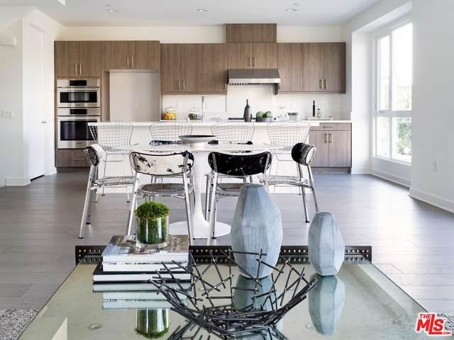 1156 N Orange Dr, Los Angeles, CA 90038 (MLS #21-771812) :: Mark Wise | Bennion Deville Homes