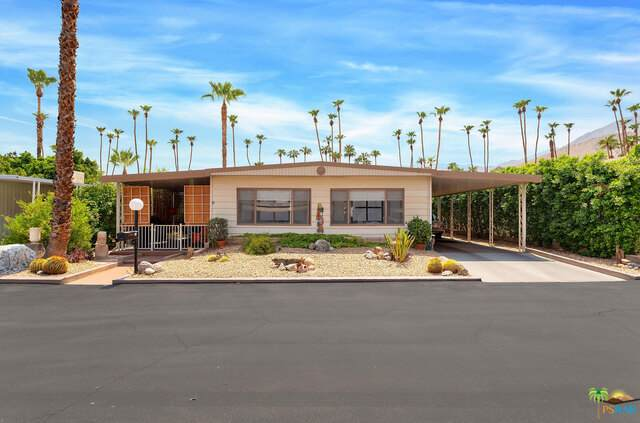 15 Tiki Dr, Palm Springs, CA 92264 (#21-774622) :: The Pratt Group