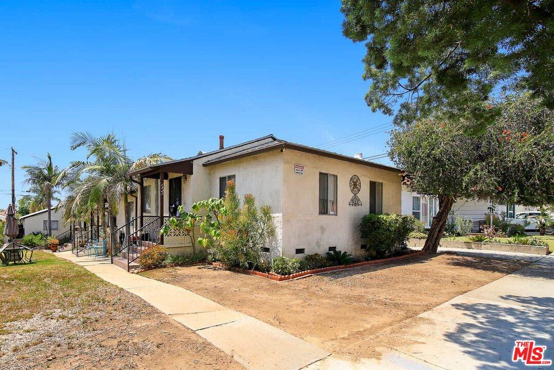 1521 Beverly Ter - Photo 1
