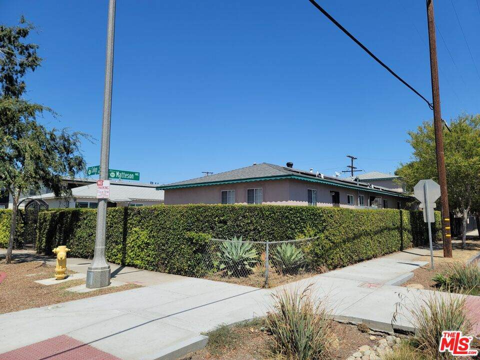 3872 College Ave - Photo 1