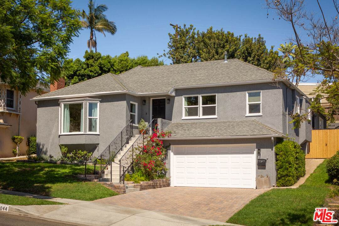 5044 Inadale Ave - Photo 1