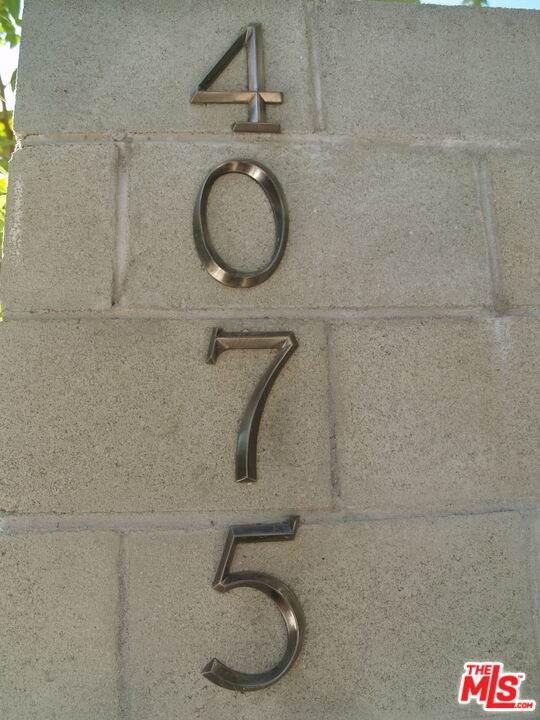4075 Glenalbyn Dr, Los Angeles, CA 90065 (#21-783254) :: TruLine Realty