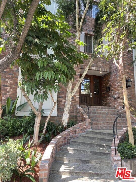 1375 Kelton Ave #406, Los Angeles, CA 90024 (#21-783442) :: Vida Ash Properties | Compass