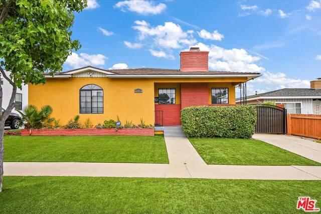 6002 S La Cienega Blvd, Los Angeles, CA 90056 (MLS #21-786164) :: Mark Wise | Bennion Deville Homes