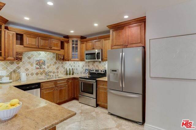 847 5Th St #104, Santa Monica, CA 90403 (MLS #21-786636) :: Mark Wise | Bennion Deville Homes