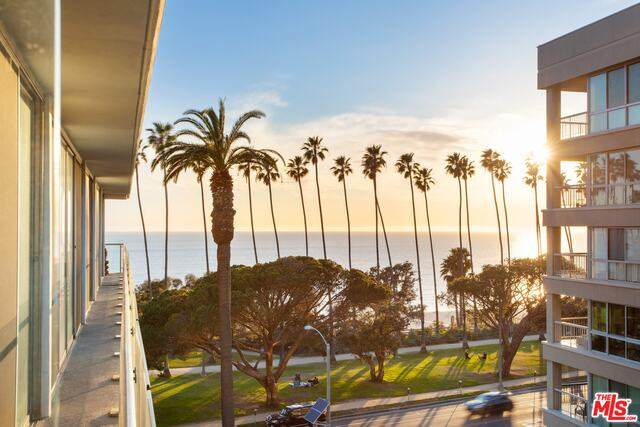 535 Ocean Ave 6C, Santa Monica, CA 90402 (#21-787448) :: Compass