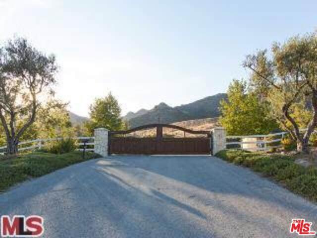 31675 Lobo Canyon, Agoura Hills, CA 91301 (#21-788674) :: The Bobnes Group Real Estate