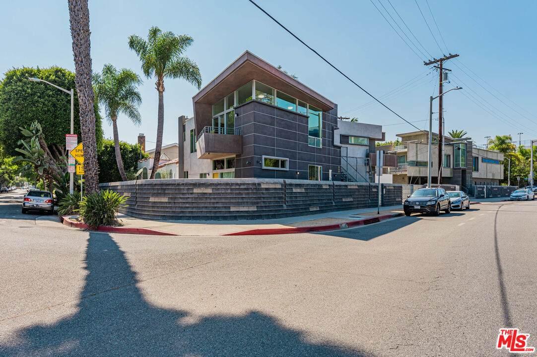 501 San Vicente Blvd - Photo 1