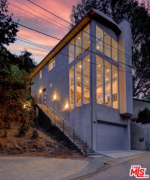 6920 Treasure Trl, Los Angeles, CA 90068 (#21-790356) :: The Pratt Group