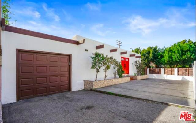 7242 Fountain Ave, West Hollywood, CA 90046 (MLS #21-792048) :: The Jelmberg Team