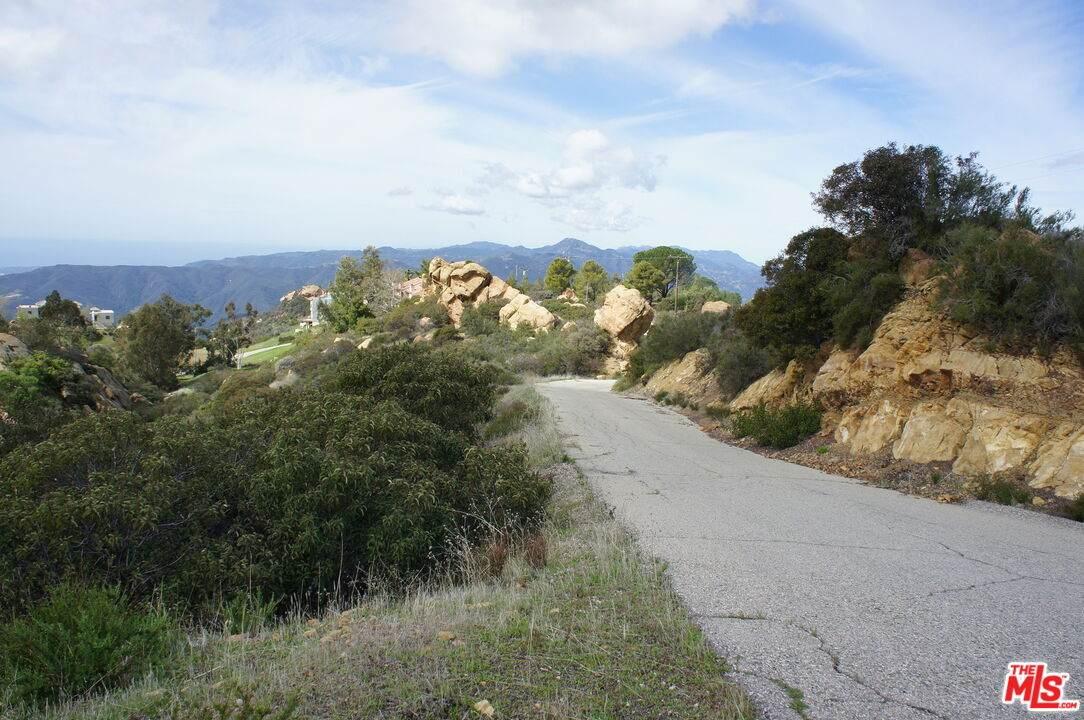 0 Saddle Peak Rd - Photo 1