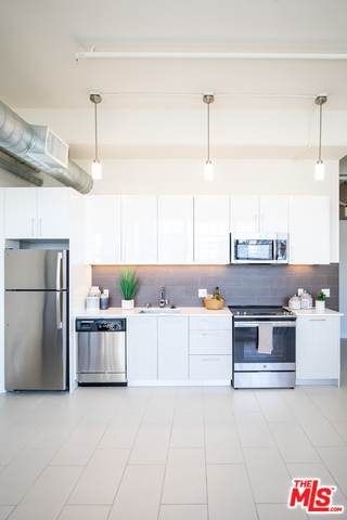 939 S Broadway #401, Los Angeles, CA 90015 (#21-796448) :: The Bobnes Group Real Estate