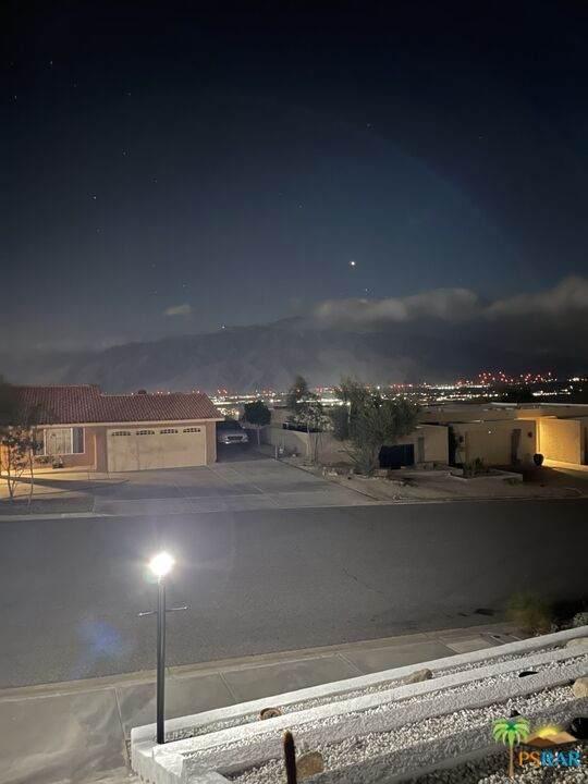 66954 Verbena Dr, Desert Hot Springs, CA 92240 (#21-797310) :: The Bobnes Group Real Estate