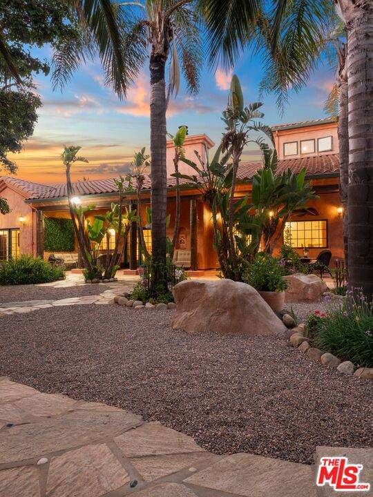 1351 Decker Canyon Rd, Malibu, CA 90265 (#21-798106) :: TruLine Realty