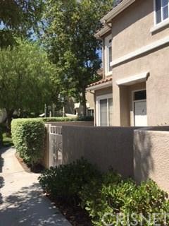 25532 Schubert Circle A, Stevenson Ranch, CA 91381 (#SR17212024) :: Paris and Connor MacIvor