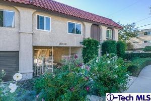 3242 Fairesta Street, La Crescenta, CA 91214 (#318004879) :: Fred Howard Real Estate Team